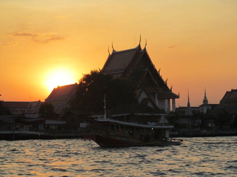 закат на реке Чао Прайя